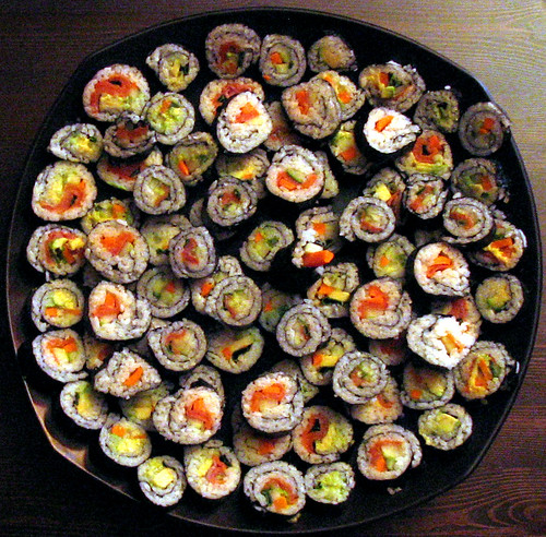 sushi plate by mobob.