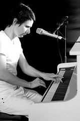 Matthew Bellamy piano