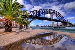 Sydney Harbour Bridge, originally uploaded by G a r r y on Flickr