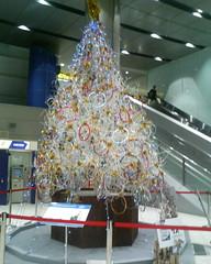 intel christmas tree in akihabara