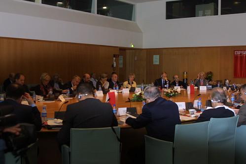 Réunion des présidents de groupes socialistes et sociaux-démocrates de l'UE 2.jpg by Parti socialiste.