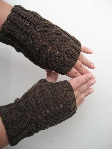 Fern Lace Fingerless Gloves