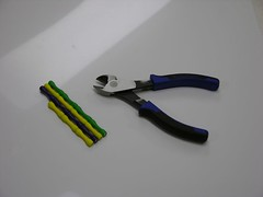 Diagonal pliers and Magz bars
