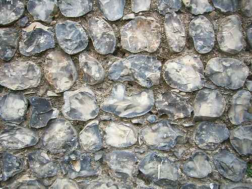 Un mur de silex traditionnel. (Sussex flint. Par Peter hilton. CC-BY-NC-SA. Source : Flickr)
