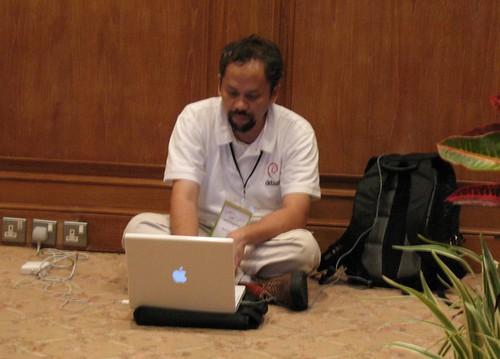 me and mac at AOSS8 Bali