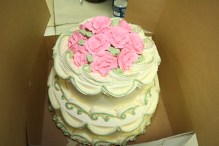 Finished cake with roses
