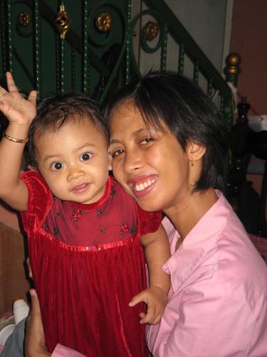 Istri dan anakku (waktu ulang tahun I)