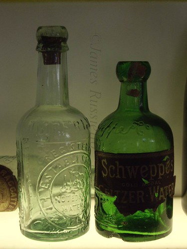 061029.020.Somset.Bath.Walcot.JulianRd.BathAtWorkMus.Bottle Filling.Cork Closure
