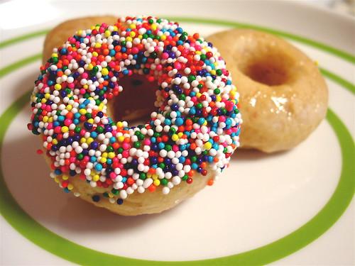 doughnut via veganyumyum