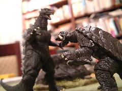 Godzilla vs Gamera - Squaring Up