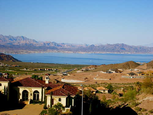 Lake Mead and the Sierra Nevadas