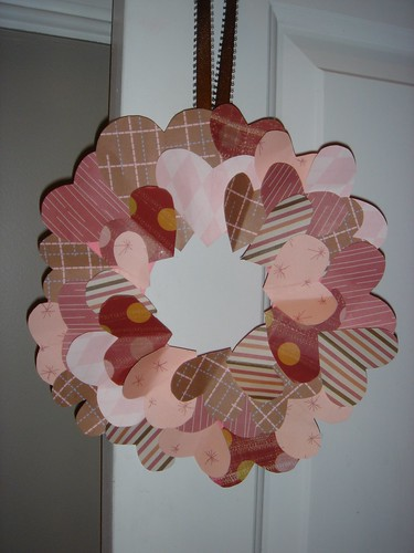 Valentine's Day paper heart wreath [close up]