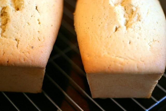 vanilla bean pound cake