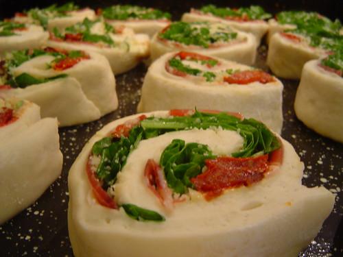 raw tomato-arugula rolls