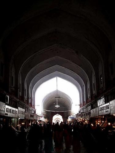 bazaar-inside-red-fort