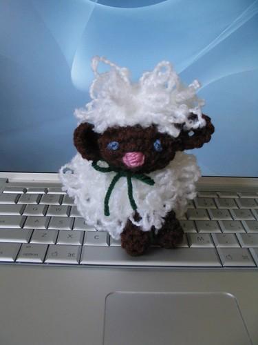 * OMG, its a little lamb!!  LOVE!