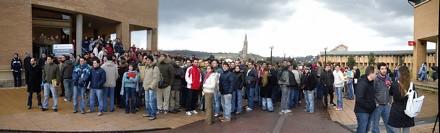 Imagen de la concentración por la Ingeniería Informática en Gijón