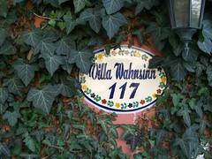 Villa Wahnsinn - Türschild