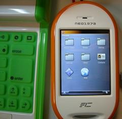 openmoko open source mobile phone l33tness