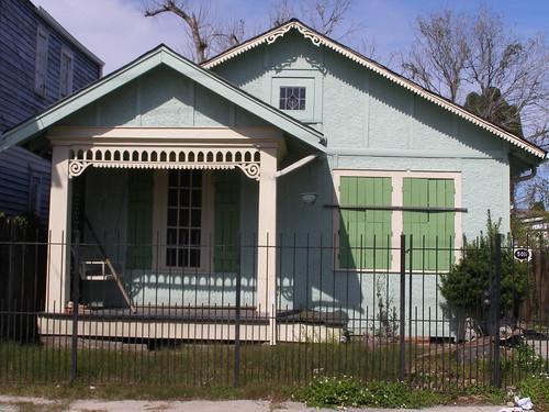5011 S. Robertson St.