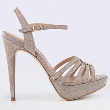 A mais linda coleção de sandálias de festa é da Luiza Barcelos