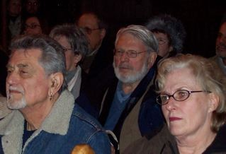 Theo Bikel in the audience watching Die Judenstadt by Warren Rosenzweig