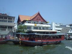 018.岸邊的水上餐廳