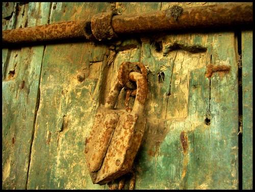 Vecchio lucchetto - Old padlock