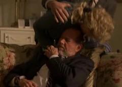 Martha quiere matar a Charles Logan