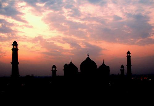 Karachi sunset by Syed Abulhasan Rizvi used under license