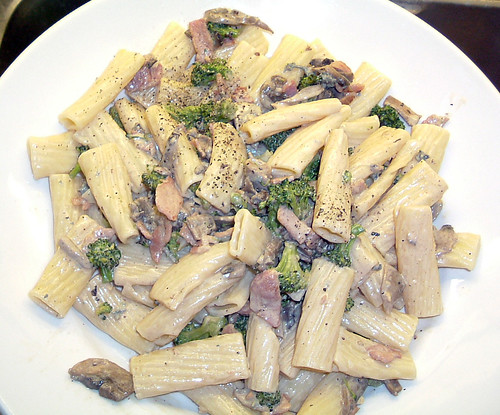 Broccoli, mushroom and blue cheese rigatoni.