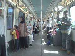 36.Kelana J aya Line車廂的內裝