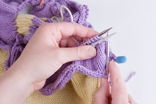 Attaching a Ruffle - 3 Needle Join