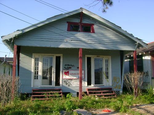 6013 Dauphine Street