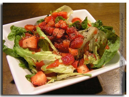eichblattsalat-mit-erdbeere