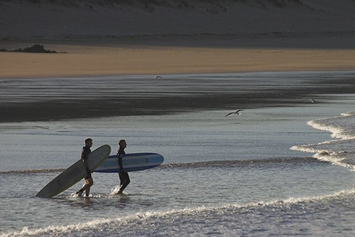 dawn patrol 19-11-05 - foto: localsurfer, flickr