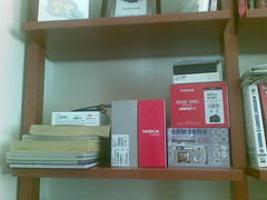 Nokia E65 photo of bookcase