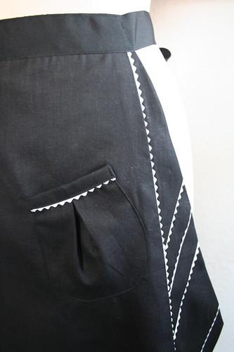 apron detail.JPG