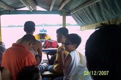 A 15 min. boat ride to Hundred Island. This was around 9:30am. Tahimik ang dagat at ang ganda pagmasdan ng mga isla na magkakatabi. I tried to count pero nalilito ako lagi hehehe.