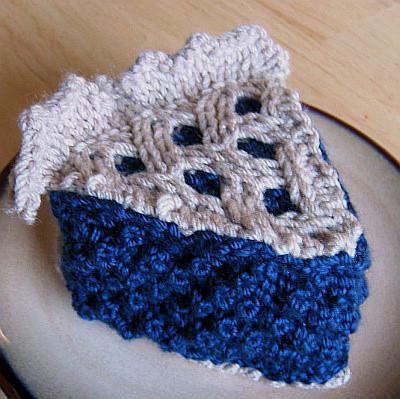 * Nom, nom!  I love blueberry pie!  ;)