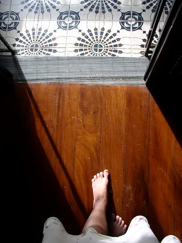 """Abrir a porta da fremt da casa para q Samto Amtonio permita a emtrada de augem espesiau s2 em sua life rs, disemdo: """"Samto Amtonio, protetor dos emcaliados, fasa shegar até mim aquele q amda sosinho e q em mimha companhia será felis""""."""