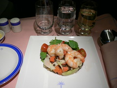 Marinated prawns with mesclun and cherry tomato