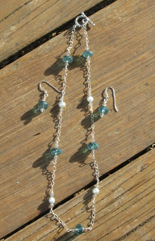 Aquamarine faceted bead and pearl necklace