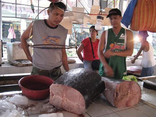 Pinoy Filipino Pilipino Buhay  people pictures photos life Philippinen  菲律宾  菲律賓  필리핀(공화�) Philippines  Boracay seafood, market, vendor, tuna fish