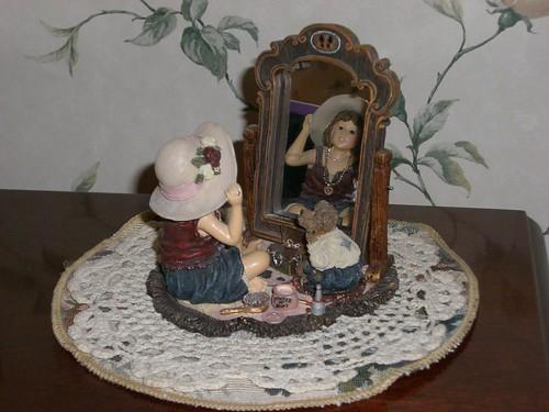 Dollstone figurine from Boyd's Bears