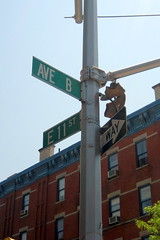 NYC - East Village: Avenue B and East 11th