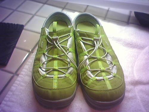 Lime green tennie runners - check