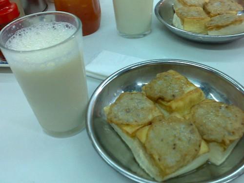 Cold Soybean Milk & Panfried Beancurd (Taufu)