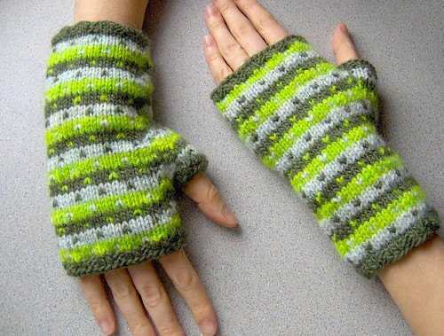 limone mitts - modeled 1