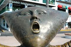 Head like a kite, pillowhead sculpture singer,...